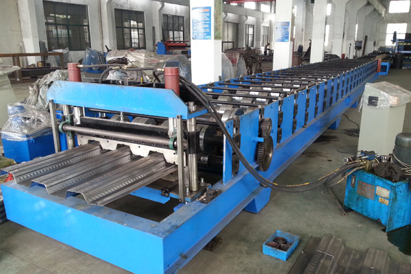 steel-deck-roll-forming-machine-5_1512109108.jpg