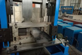 CZU Purlin Roll Formmaschine